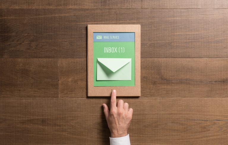 Wie können Mitarbeiter innerhalb eines Unternehmens ohne E-Mail zusammenarbeiten?
